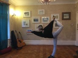 Monday morning dynamic yoga flow class
