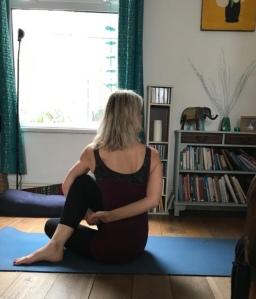 Sunday morning yoga – the essentials of binding