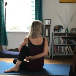 Sunday morning yoga – the essentials of binding
